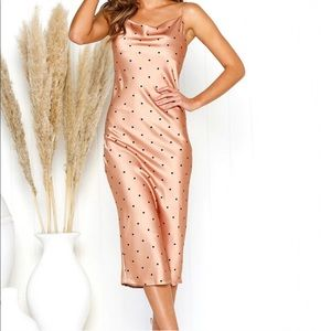 Dresses & Skirts - 🌟 HP 🌟 Beige / Pink Polka Dot Dress